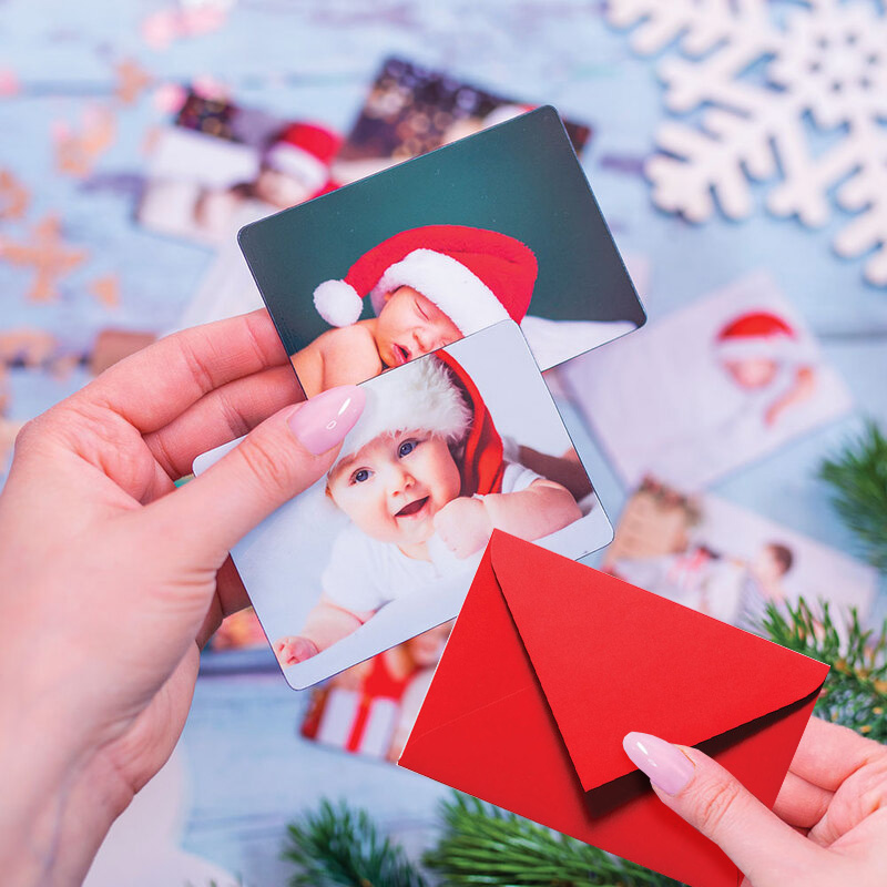foto Magnesy na mikołajki 9 x 6 cm + koperty CZERWONE 8 sztuk