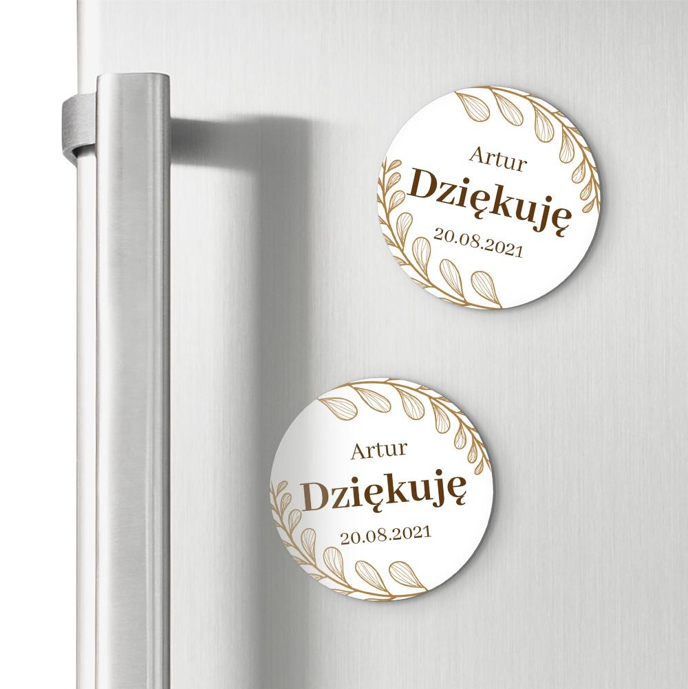 Okrągłe magnesy podziękowania dla gości na chrzest z imieniem złote glamour liście