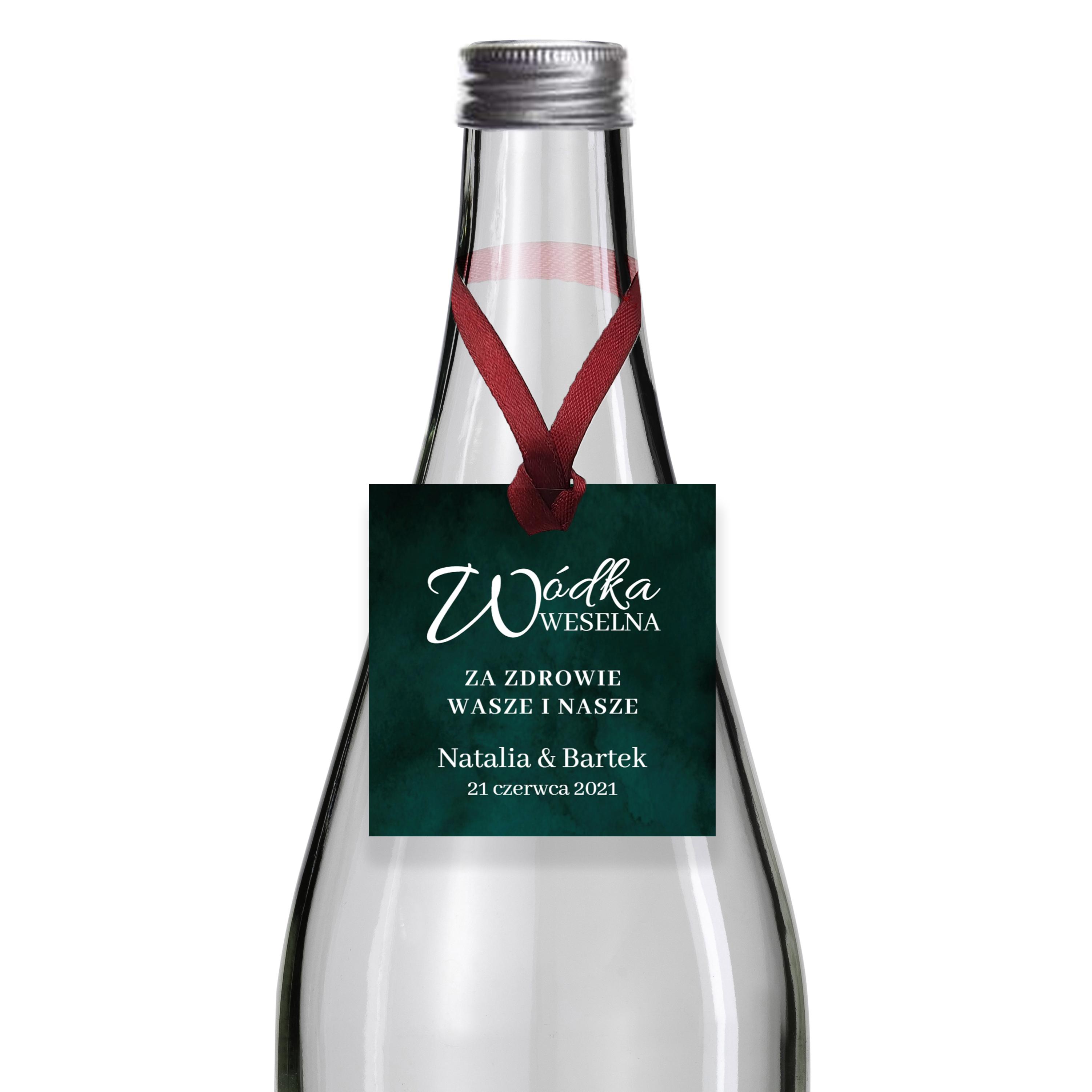 Zawieszki na alkohol wódkę weselną kwadratowe z imionami własny tekst butelkowa zieleń