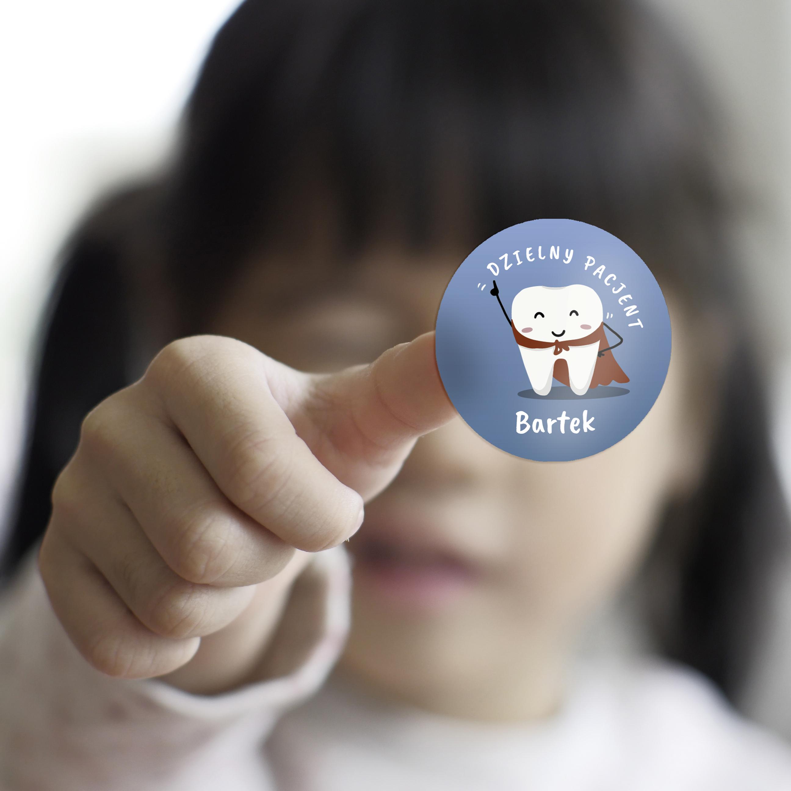 Naklejki dzielny pacjent dla dzieci z imieniem super ząbki